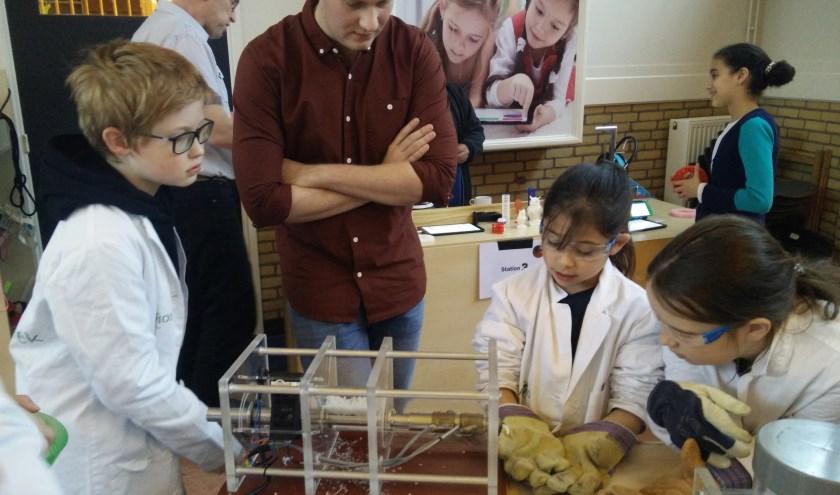 FabLab bezoekt basisschool voor project 'Plastic Zwerfafval'
