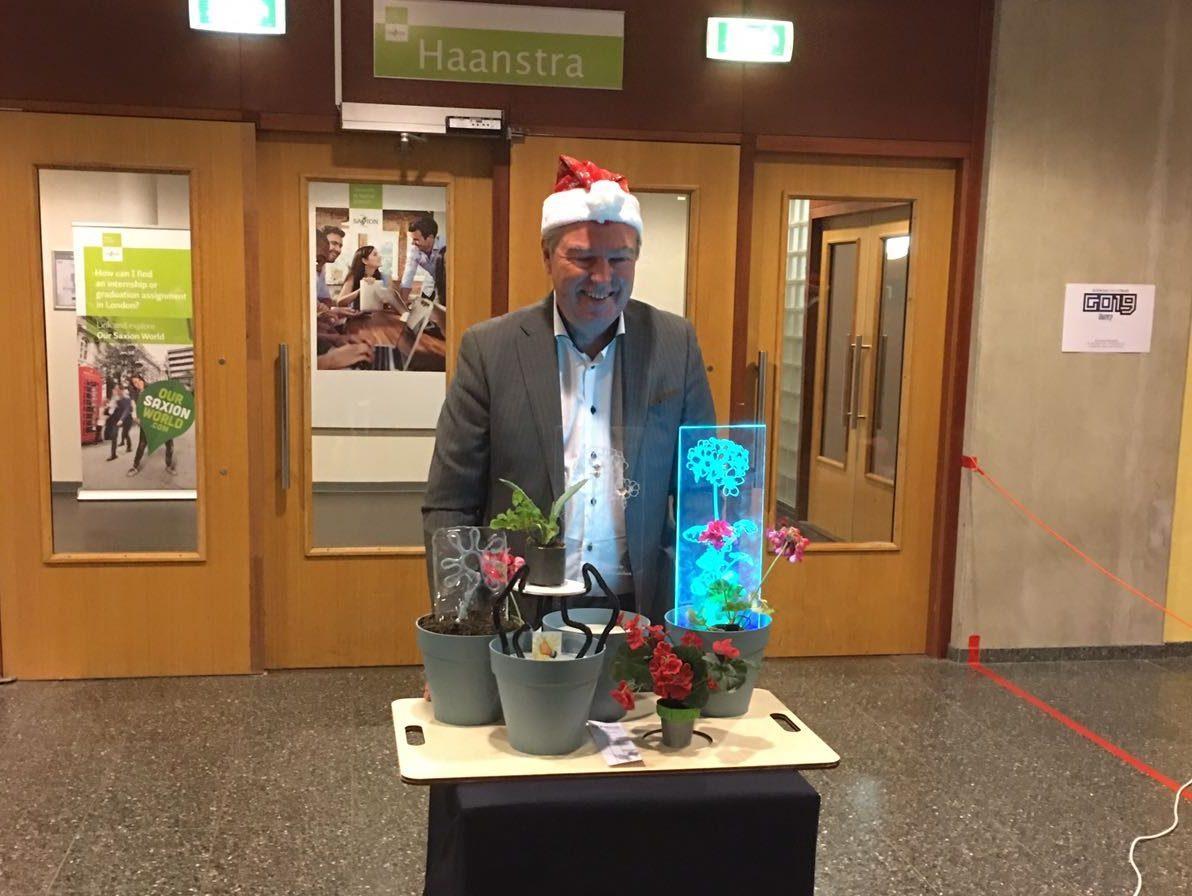 Geraniums voor afscheid Wim Boomkamp