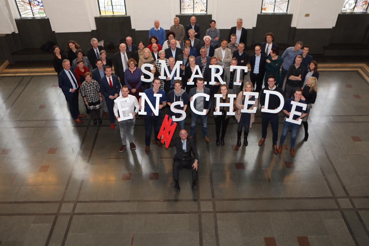 FabLab Enschede vervaardigt plaquette voor 'Smart Enschede'